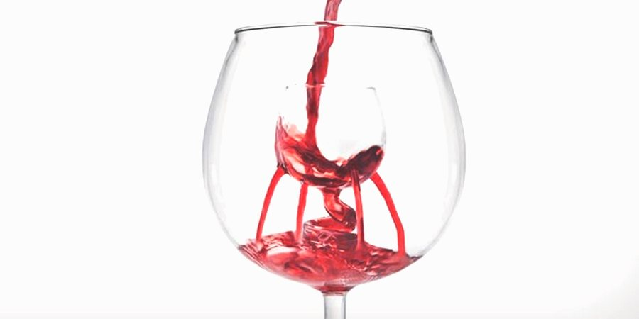 wine glass with aeration